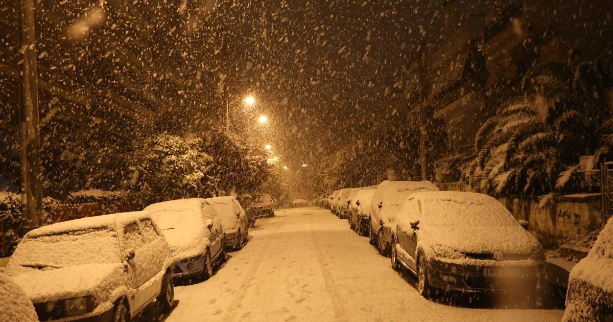 """Κακοκαιρία """"Μήδεια"""": Χιόνια και στο κέντρο της Αθήνας – Εντυπωσιακές…"""