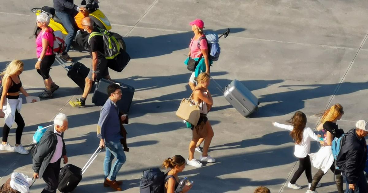 Το σχέδιο της κυβέρνησης για τα τεστ κορονοϊού στους τουρίστες