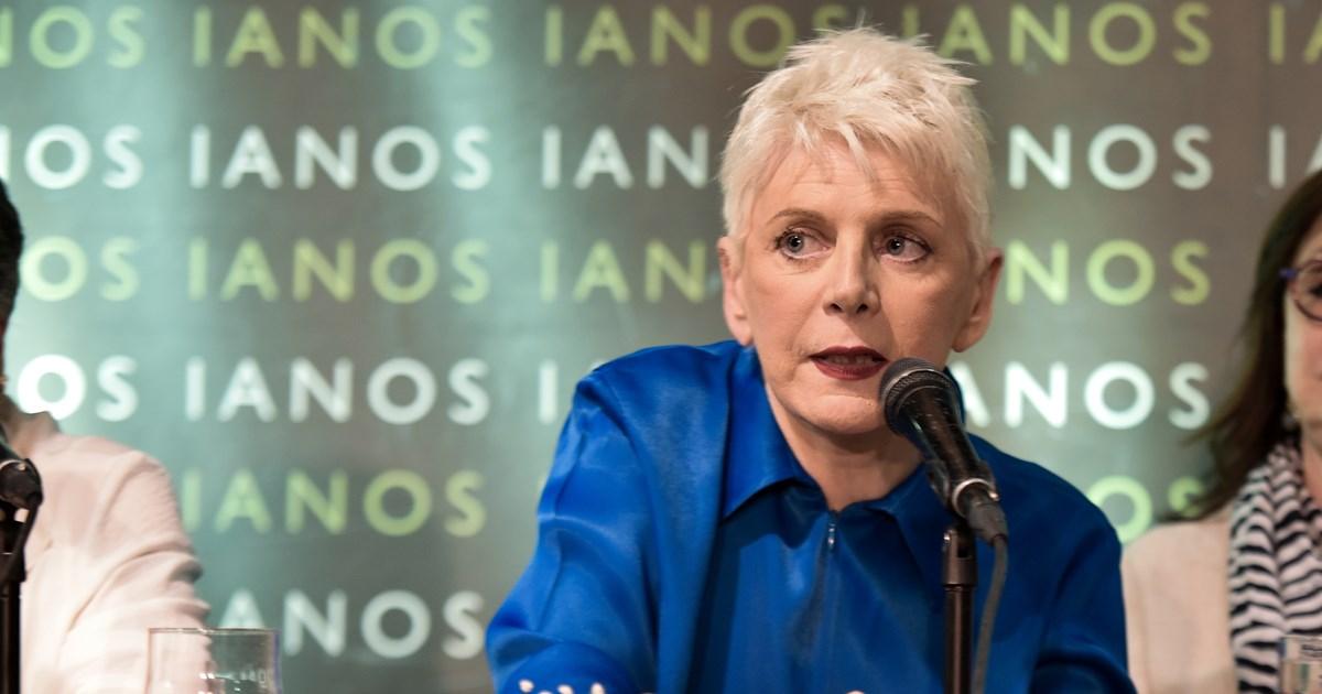 Νέα χυδαία επίθεση της Ελενας Ακρίτα στο TheTOC και τον Μανόλη Καψή - Η απάντηση