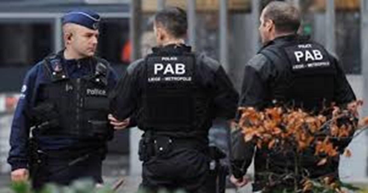 """Φρίκη στη Γαλλία: Δικαστής """"διαφήμιζε"""" την 12χρονη κόρη του σε site…"""