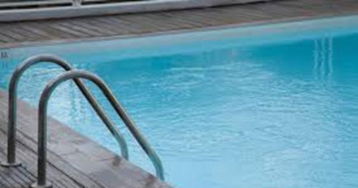 Ώρες αγωνίας για παιδί στην Αχαϊα: Ανασύρθηκε χωρίς τις αισθήσεις του από πισίνα - Το επανέφεραν οι διασώστες με ΚΑΡΠΑ