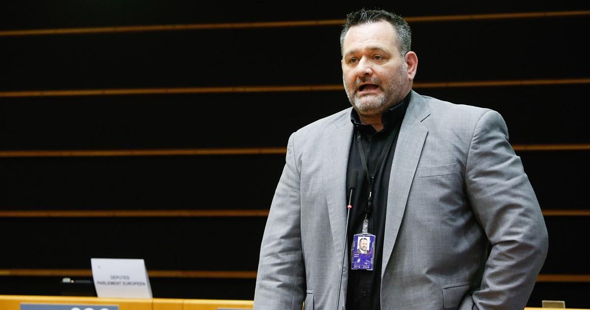 Απύθμενο θράσος Λαγού: Κατέθεσε αγωγή κατά της Σακελλαροπούλου - Ζητά αποζημίωση 100.000 ευρώ επειδή 'τον προσέβαλε'