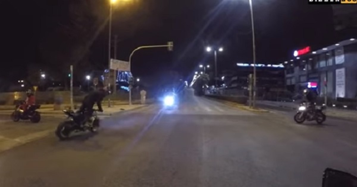 Tροχαίο με δύο νεκρούς στο Αιγάλεω: Κατέγραφε με κάμερα τη μοιραία σύγκρουση ο YouTuber Rigo [βίντεο]