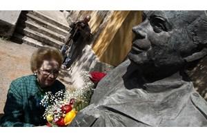 Η Πρόεδρος της Δημοκρατίας Κατερίνα Σακελλαροπούλου τίμησε τη μνήμη του αγωνιστή Σπύρου Μουστακλή - εικόνα 3